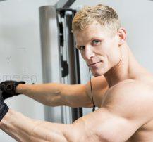 عکس چگونه در هر سنی تغذیه کنیم تا حداکثر عضله سازی را داشته باشیم