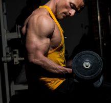 عکس بهترین حرکات برای ساختن پشت بازوهایی حجیم