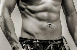 راهنمای کامل ۱۲ هفته ای ساختن عضلات شش تکه شکم