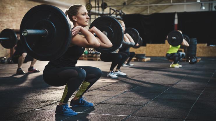 women-lifting-weights